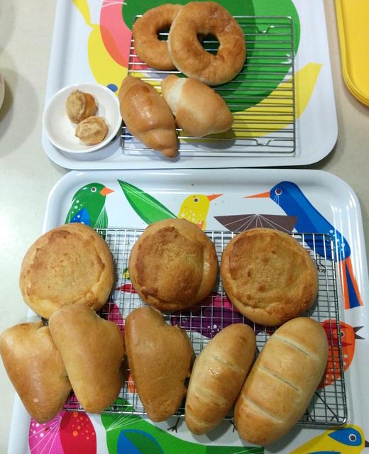 乳・卵不使用の小麦パンと低糖質ふすまパン焼き比べ
